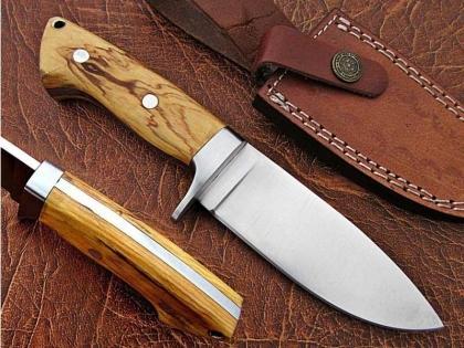 Handmade D2 Steel Hunting Skinner Knife with Wood Handle