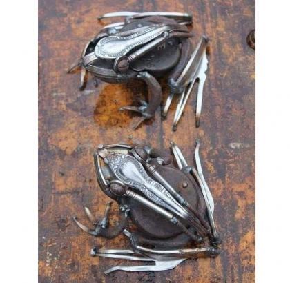 Decorative Metal Frogs
