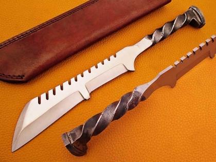 Handmade Rail Road Spike Steel Hunting Tracker Knife